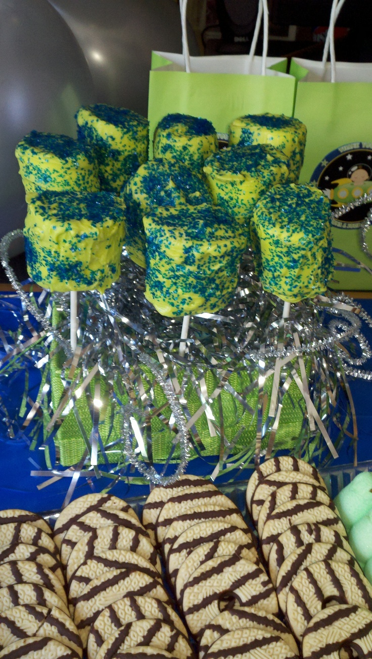 Chocolate covered marshmallows in the colors of the baby shower