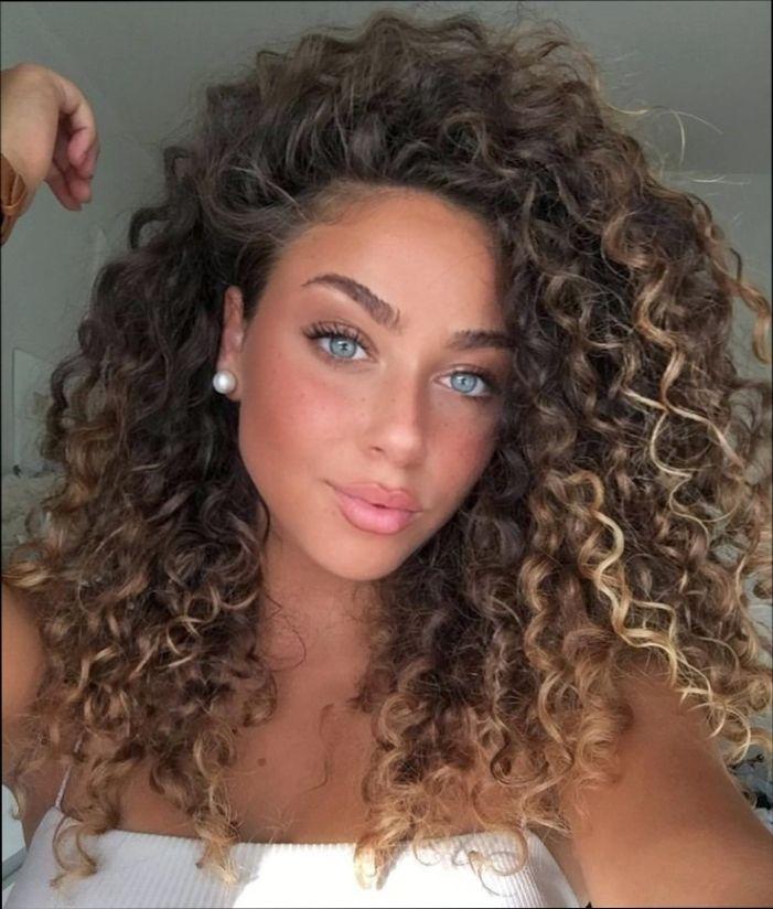 Lindo y sin esfuerzo peinados faciles para pelo rizado Imagen de tutoriales de color de pelo - 22+ Peinados Faciles Para Cabello Ondulado Y Esponjado ...