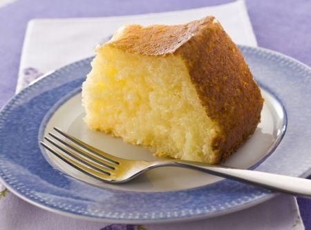 Bolo de tapioca - Veja mais em: http://www.cybercook.com.br/receita-de-bolo-de-tapioca.html?codigo=14955