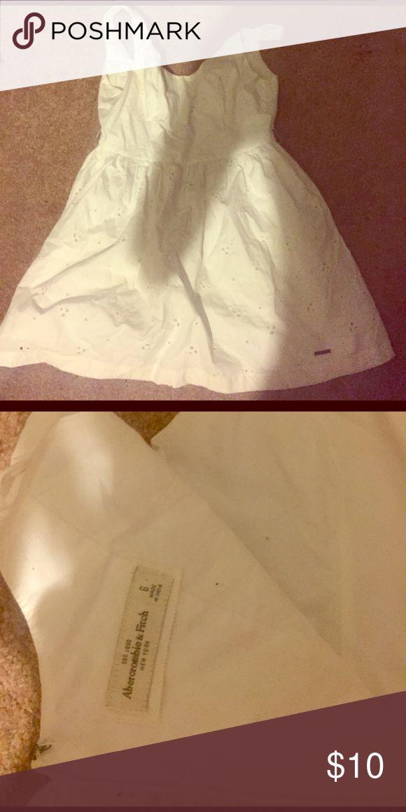 Abercrombie dress size 6 white Abercrombie dress size 6 white barely worn Abercrombie & Fitch Dresses