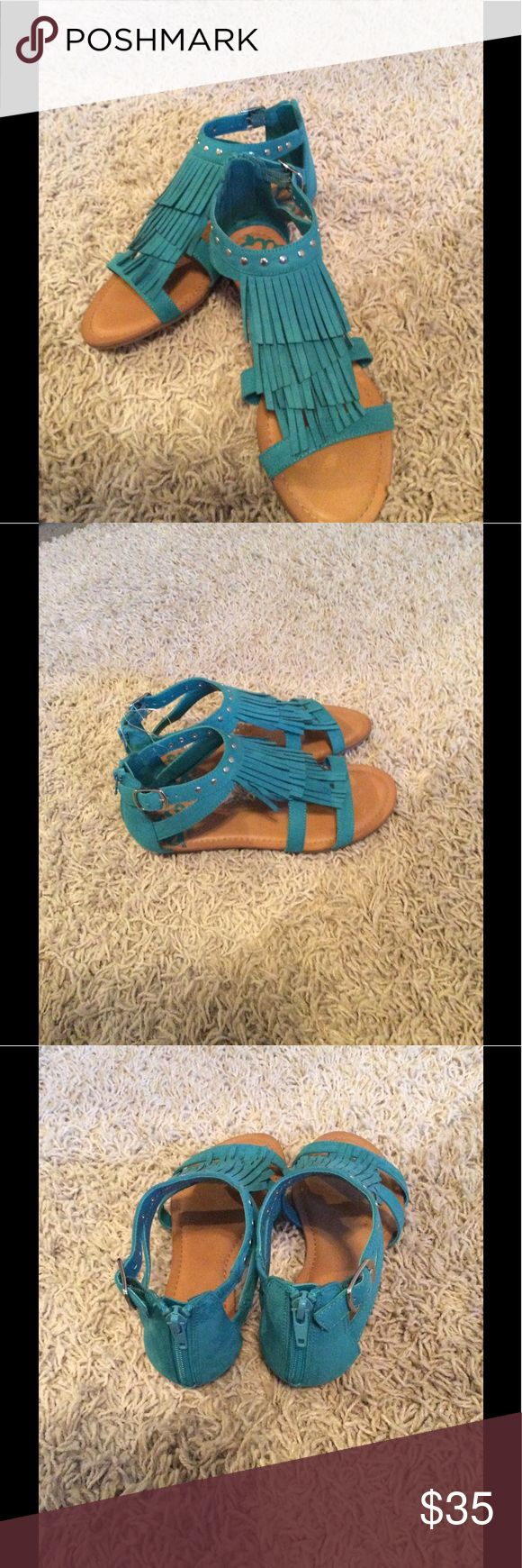NWT Gorgeous teal sandal by Fergie💙💙👌 Style:DustyStyle#7451Color/teal💙💙💙👌 Fergie Shoes Sandals
