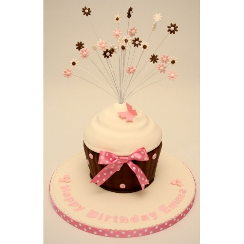 22 best Giant cupcake images on Pinterest Giant cupcakes Cup