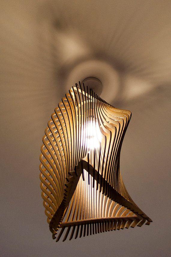 Gedraaide Lasercut houten lampenkap No.2  Medium