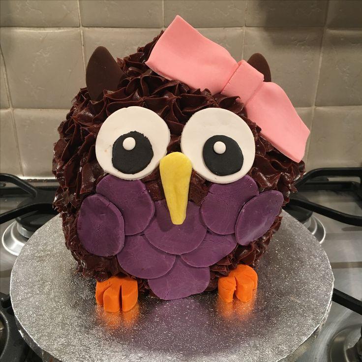 Owl giant cupcake