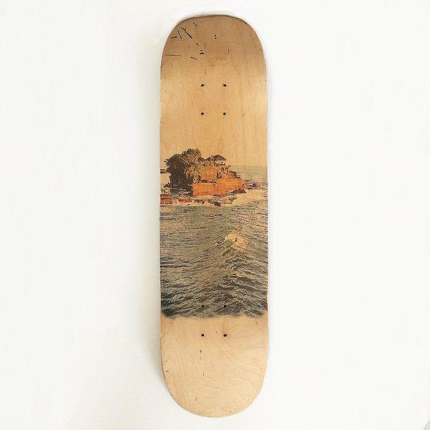 Ein Muss für jeden Herzblut-Skater: Individuell bedrucktes Skateboard als Wohndeko. Geschenke kaufen von viel.stil via DaWanda.com