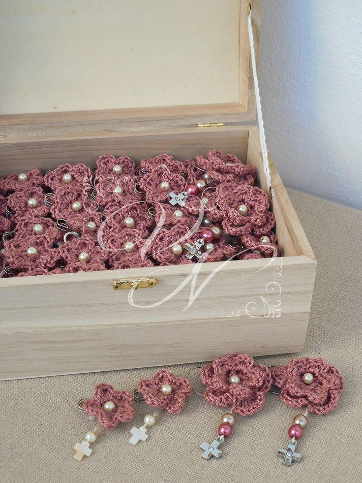 Μαρτυρικά βάπτισης με χειροποίητο πλεκτό λουλούδι - Baptism witness pins with handmade chrochet flower