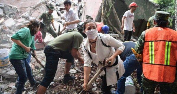 ¡TRÁGICO! Se desplomó un helicóptero con ayuda humanitaria en México