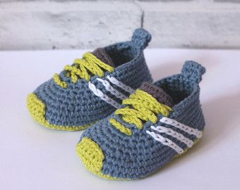 Crochet Pattern Baby Boys Booties lockie loafer by Inventorium