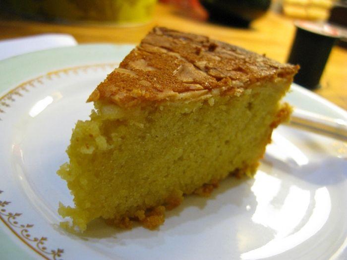 spanish almond cake slice