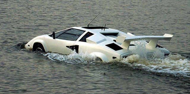 "The World's Only Amphibious ""Lamborghini Countach"" Is for Sale on eBay  - RoadandTrack.com"