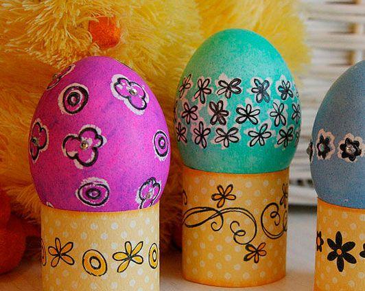 Stamped Easter Eggs www.fiskars.com