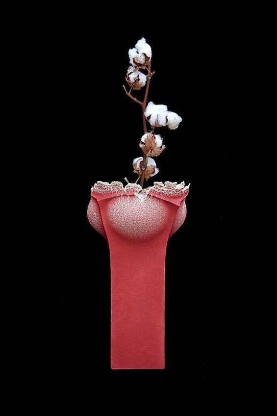 Booming Vase par Andrea Mancuso et Emilia Serra