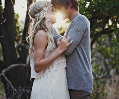 gorgeousEngagement Pictures, Photos Ideas, Engagement Photos, Country Wedding, Couples Photography, Couples Pics, The Dresses, High School Sweethearts, Photography Ideas