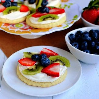 Mini Sugar Cookie Fruit Pizzas « Go Bold with ButterCookies Pizza, Cream Pies, Sugar Cookies Fruit Pizza, Cream Cupcakes, Bar Recipe, Cookie Pizza, Fruit Tarts, Minis Sugar, Pizza Cookies