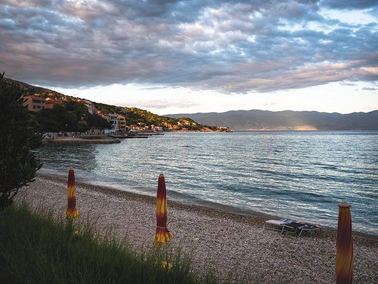Who would like to spend sometime on a  Beach Bar in Baska #baska #beachvibes #sea #beachumbrella #holiday #lovecroatia #croatia_instagram #croatia_photography #croatiafulloflife #igerscroatia #croatiancoast #croatialove #visitcroatia #croatiatrip #croatiarocks #croatiaonmymind  #wanderlust #travelgram #instatravel #travelgram #agameoftones #igmasters #passionpassport #neverstopexploring #exklusive_shot #freedomthinkers #liveauthentic #vscoaward