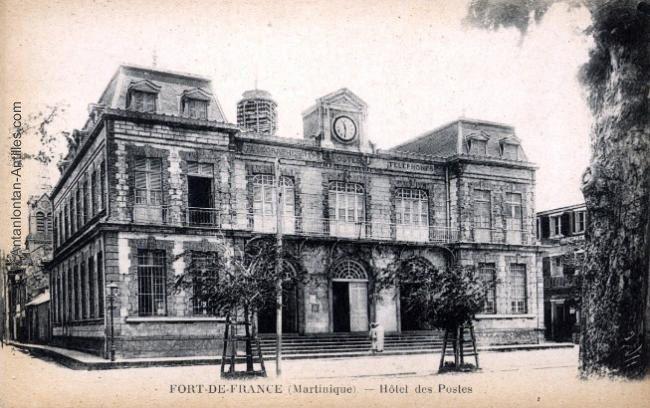 L'Hôtel des Postes à Fort de France.
