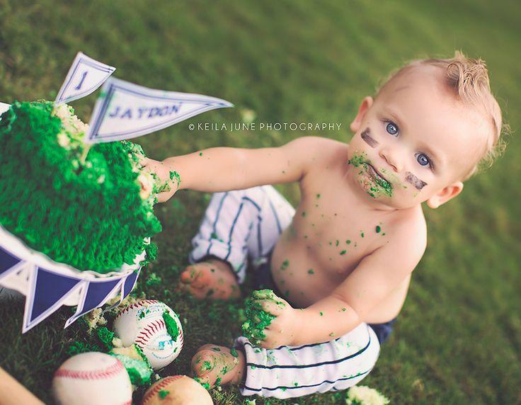 Baby Jaydens Cake Smash! So precious!! Love his little baseball bum!  Keila June Photography   {blog}