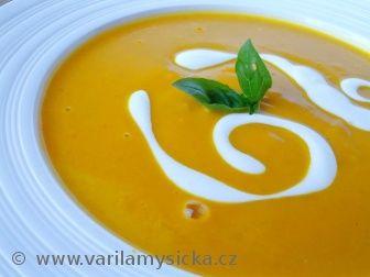 Když jsem tuto polévku ochutnala poprvé, tak jsem si řekla, proč jsem ji nedělala už dávno :)