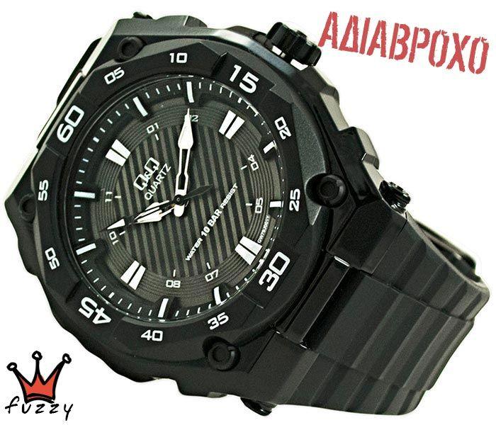 Ανδρικό ρολόι Q&Q σε μαύρο χρώμα.  Διάμετρος καντράν 48 mm. Στεγανοποίηση 10 BAR (αδιάβροχο).