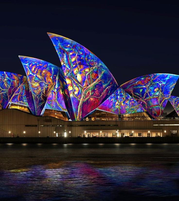 Get up close and personal by taking a guided, behind-the-scenes Sydney Opera House tour. The Sydney Opera House Tour will give you an introduction to the history behind this building, as well as showcasing all the theatre spaces where over 1,600 performances happen every year.