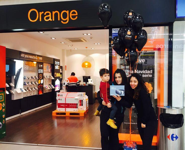 La ganadora de las gafas Samsung Gear VR ha retirado su premio en nuestra tienda Orange del C.C. Carrefour Vila-Real.  ¡Enhorabuena! Cristina Vallés Tribaldos🎁 #FelizLunes