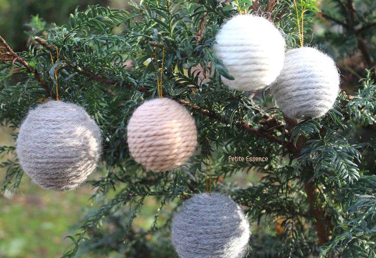 Bolas de lana para decorar tu árbol de Navidad