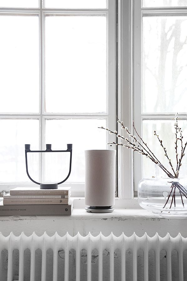 Windowsill styling by Trendenser. Samsung wireless 360 speaker