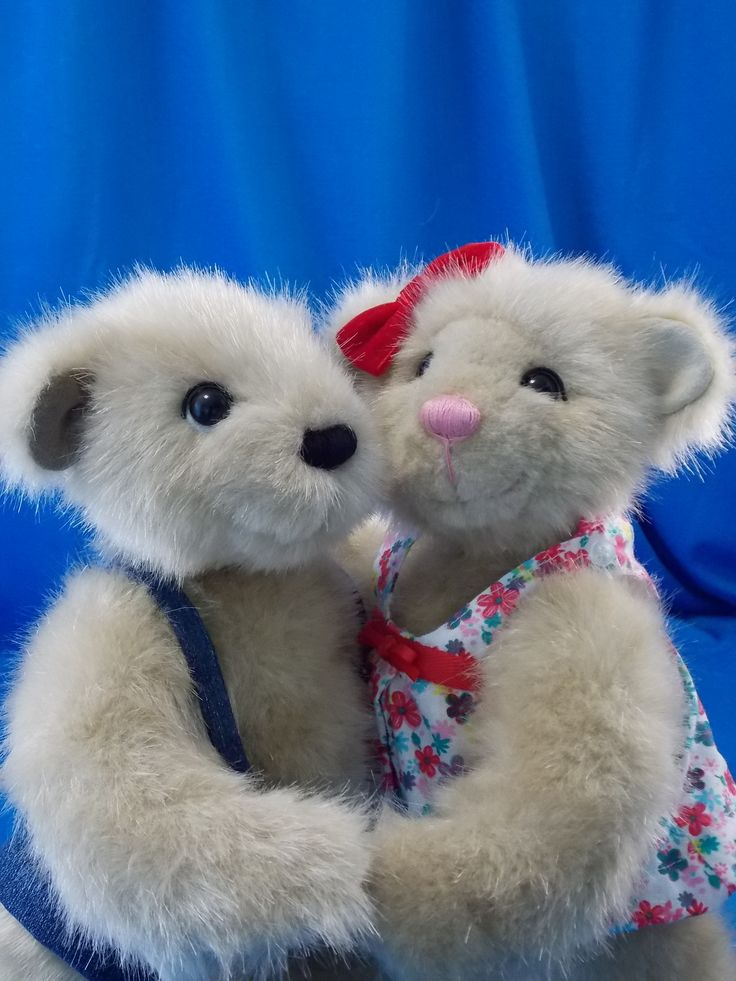 Felix and Clementine the twin teddy bears  Félix et Clémentine les oursons jumeaux #twins#teddy#jumeaux#oursons#bears#ooak#handmade#collection