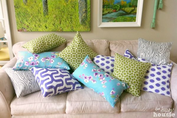 Simple Stunning DIY Envelope Pillow Tutorial all done at The Happy Housie