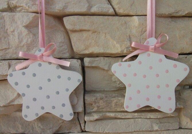 Estrellas de madera para colgar. http://pekerines.blogspot.com.es