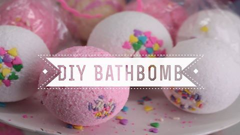DIY Bathboms... join our newsletter for our weekly tips...#DIY #bathbombs #spa #pink #doityourself #TipOfTheDay