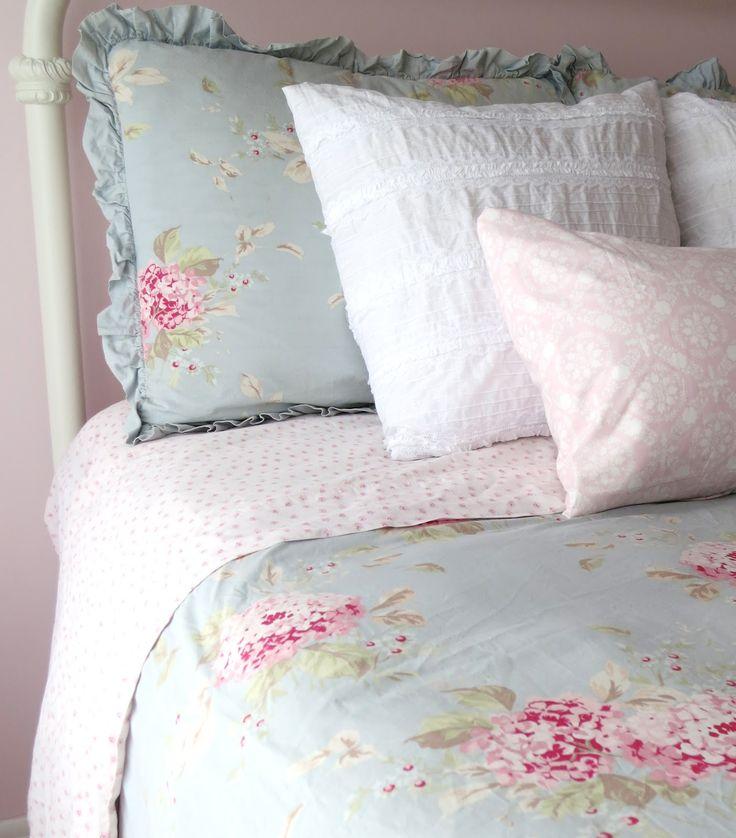 Vintage cottage shabby chic bedding