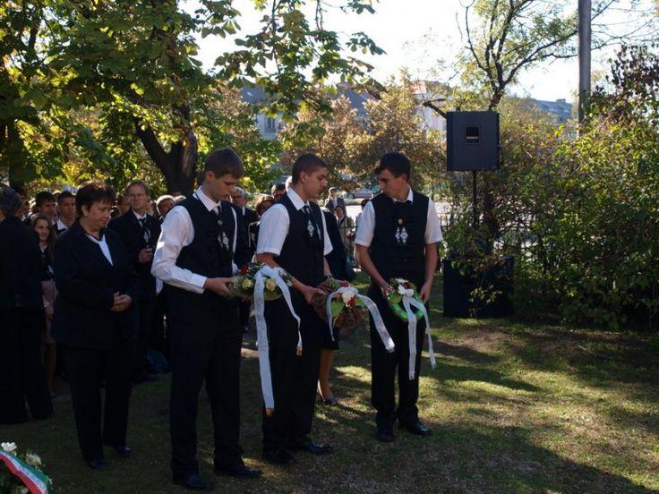 Nagykőrös Város Hivatalos Honlapja 2012. október 19.