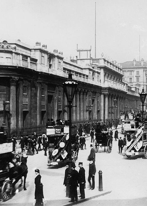 London, c. 1900.