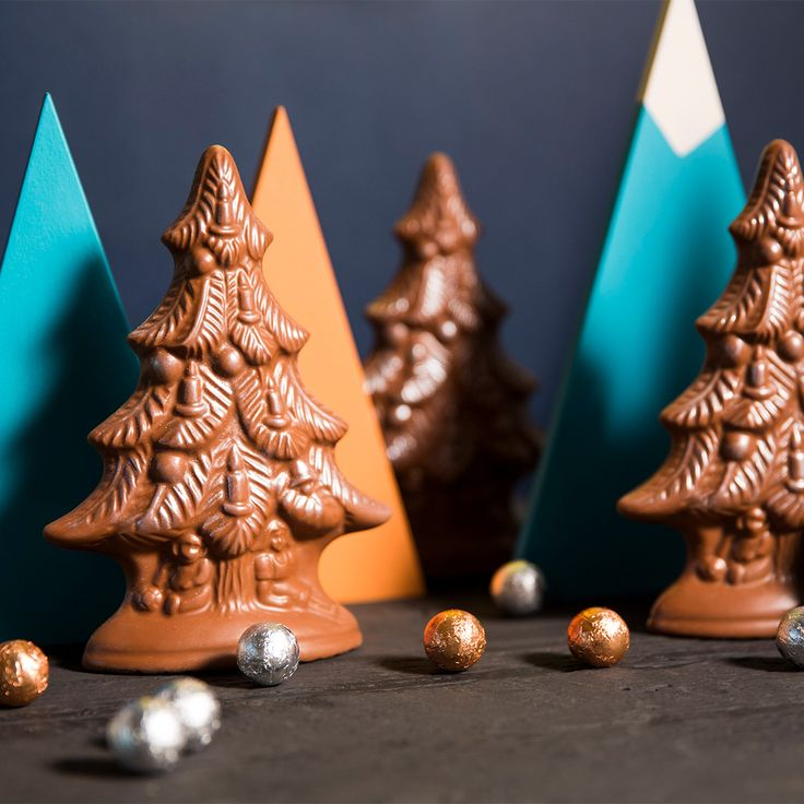 Haigh's Chocolates Christmas 2016 Beautifully packaged milk chocolate Christmas Tree, including chocolate baubles.
