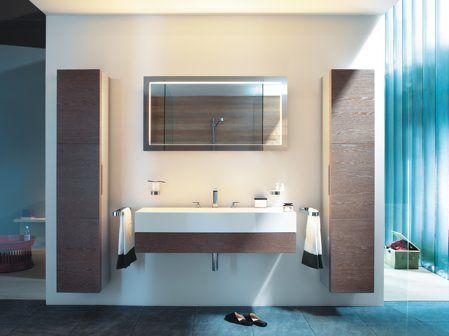 Une salle de bain à la fois design et ergonomique, voilà qui résume bien ce modèle Edition 300 proposé par Keuco. Tout d