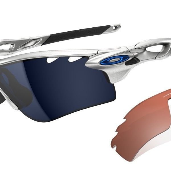 OAKLEY Radarlock Silver Ice Iridium Vented Vr28 Vented Path napszemüveg. Egy igazán különleges kivitelezésű sport napszemüveg. Technológiája lehetővé teszi hogy minden időjárási körülményhez alkalmazkodni tudjon a szem. Egy kék és egy narancssárga lencse tartozik a szemüveghez. KATTINTS IDE!