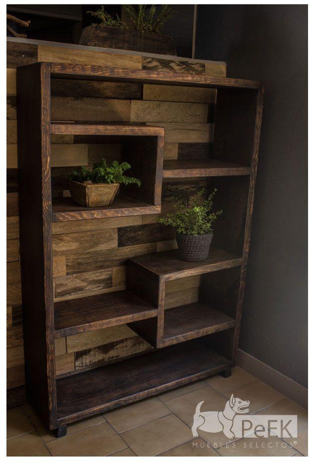 Mueble Repisero en Pino para organizar y decorar tus espacios. Por Peek Muebles Selectos