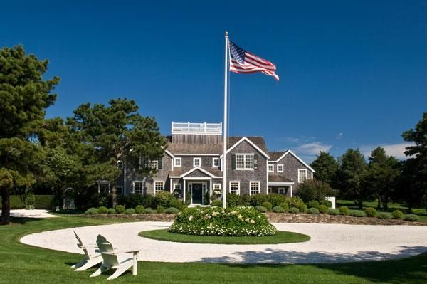 Nantucket: Grand Circles, Dreams Houses, Beach Houses, Houses Stuff, Favorite Houses,  Flagstaff, Beaches Houses, Summer Houses, Nantucket Massachusetts