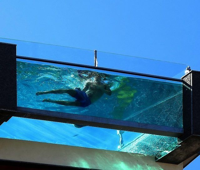 52 best images about glass walled pools on pinterest for Construction pool house piscine