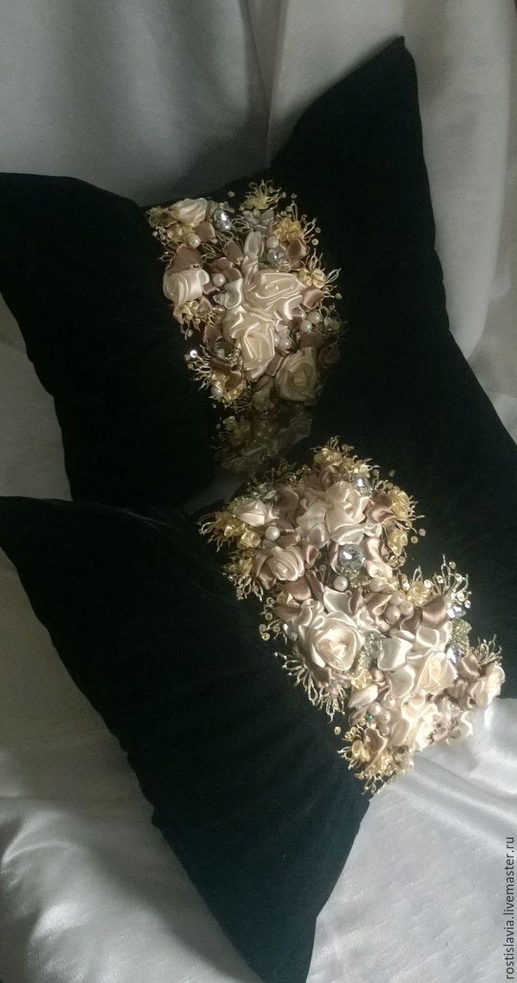 Купить Декоративная подушка. - черный, подушка, подарок на 8 марта, подушка декоративная, подушка на диван