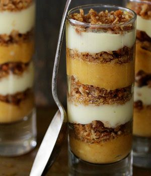 10 Thanksgiving Desserts || Pumpkin Praline Trifle. Perfect for all the little shot glasses I have