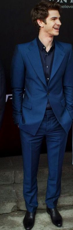 Andrew Garfield | Love the colour of the suit!!