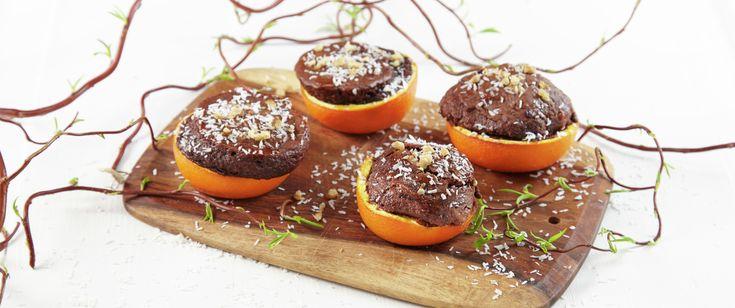 Ta med litt kakerøre i en plastflaske eller termos og et par appelsiner i sekken, og bak kjempegode kaker i appelsinskall over bålet på påskefjellet eller i skogen. Selvsagt kan du legge dem på grillen eller i ovnen også.