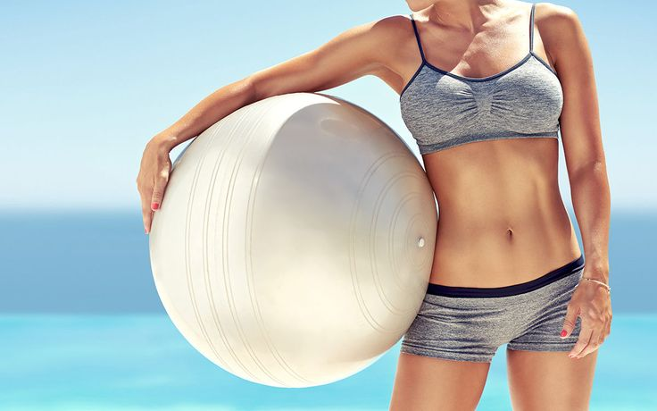 Die Hose spannt ein wenig? Dann ran an den Speck! Mit diesen fünf Übungen bekommst du einen straffen und muskulösen Bauch!