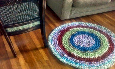 C mo hacer alfombras a mano tejidas con tela marina - Alfombras tejidas a mano ...