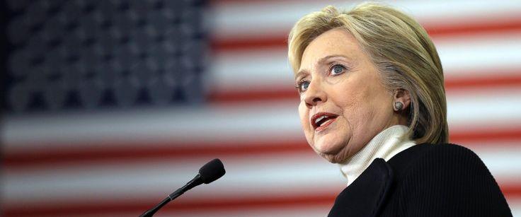 Hillary Clinton vende a política externa dos EUA