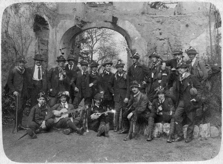 Gruppe Wandervögel, wohl Saarland um 1900-10