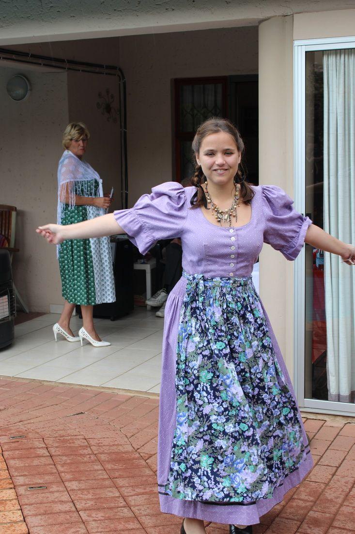 821 best Kleider,Dress,Dirndel, und zofe kleider images on Pinterest ...
