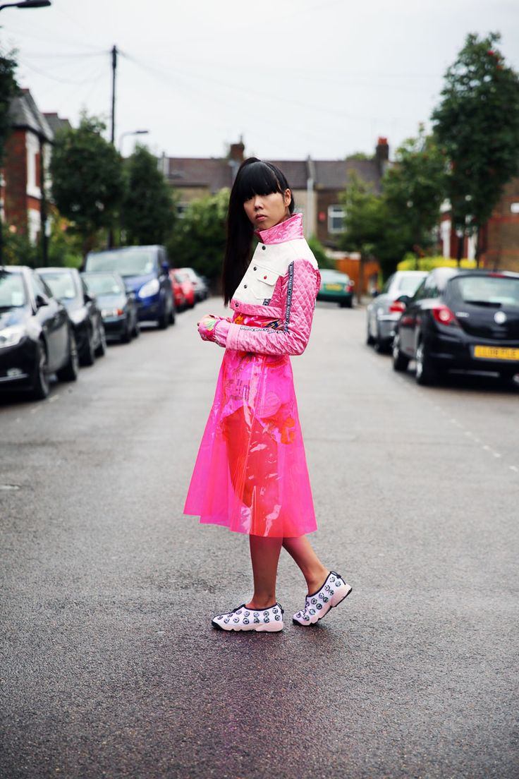 Susie looking totally rad. London. #SusieLau #StyleBubble